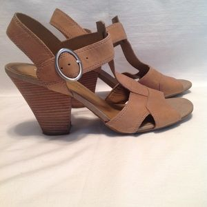 Franco Sarto tan leather t-strap open toe heels
